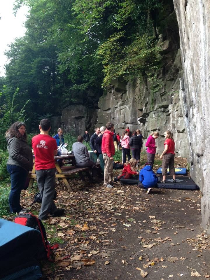 QUickdraws gather under the crag